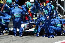 Arrêt aux stands pour Felipe Massa