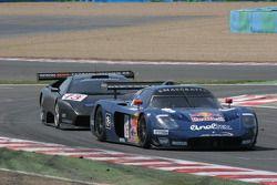 #16 JMB Racing Maserati MC 12 GT1: Chris Buncombe, Philipp Peter, Roman Rusinov, #13 Reiter Eng. Lam