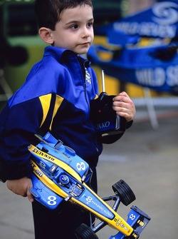 A young fan of Fernando Alonso