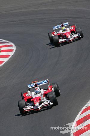 Jarno Trulli, Toyota TF105; Ralf Schumacher, Toyota TF105