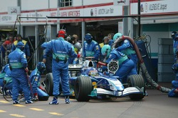 Pitstop for Jacques Villeneuve
