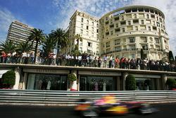 Fans de Mónaco ven la carrera