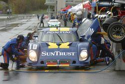 Pitstop for #10 SunTrust Racing Pontiac Riley: Wayne Taylor, Max Angelelli