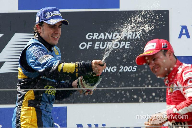 Podio:Fernando Alonso y Rubens Barrichello
