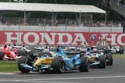 Start: Giancarlo Fisichella leads the field