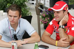 Dan Wheldon et Rubens Barrichello