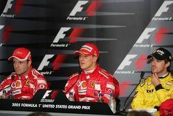 Coletiva de imprensa: vencedor Michael Schumacher com Rubens Barrichello e Tiago Monteiro