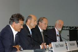Dr Mario Theissen (BMW Motorsport Direktör), Peter Sauber, ve Prof Burkard Goeschel (Board member fo