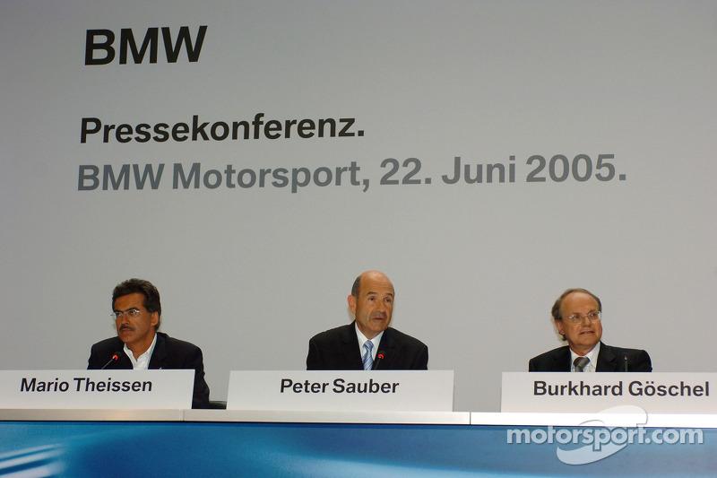 Dr Mario Theissen, (BMW Motorsport Direktör) Peter Sauber, ve Prof Burkard Goeschel (Board member for Development BMW Group)