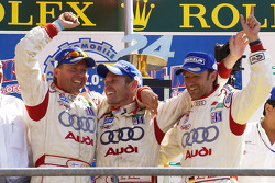 P1 Podio: ganadores JJ Lehto, Tom Kristensen and Marco Werner celebrate