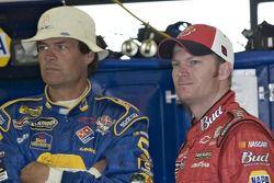 Michael Waltrip et Dale Earnhardt Jr.