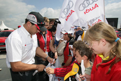 Christian Abt signs autographs
