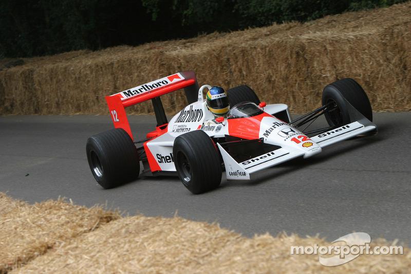 #244 1988 McLaren-Honda MP4/4, class 10: Bruno Senna