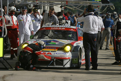 Pitstop for #76 Raymond Narac Porsche 911 GT3 RSR: Romain Dumas, Sébastien Dumez, Raymond Narac