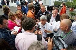 Pierre Dupasquier talks to the press