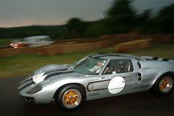 #140 Ford GT40 Mk II de 1965 : Yves Saguato