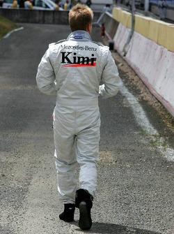 Кими Райкконен остановился на трассе