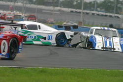 Accident between #07 Spirit of Daytona Racing Pontiac Crawford: Bob Ward, Roberto Moreno and #15 CB