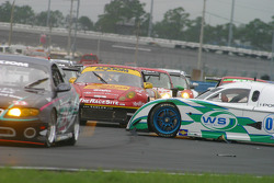 #07 Spirit of Daytona Racing Pontiac Crawford: Bob Ward, Roberto Moreno in the middle of the track while GT cars arrive