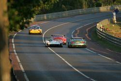 Champion Racing Audi R8 : Frank Biela, Allan McNish, Emanuele Pirro; Aston Martin Racing Aston Martin DBR9 : David Brabham, Stephane Sarrazin, Darren Turner