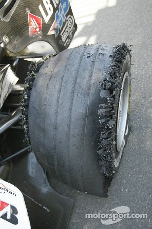 Deflated tire on the car of Patrick Friesacher
