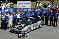 #71 Alex Job Racing Porsche 911 GT3 RSR: Leo Hindery, Mike Rockenfeller, Marc Lieb and team