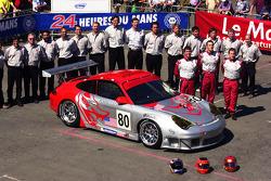 #80 Flying Lizard Motorsports Porsche 911 GT3 RSR: Johannes Van Overbeek, Lonnie Pechnik, Seth Neiman and team