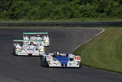 #16 Dyson Racing Team Inc Lola EX257 AER: James Weaver, Butch Leitzinger leads #1 Champion Racing Au