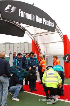Heavy control at paddock entrance