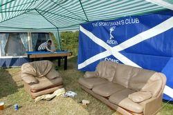 Ekipmanlı bir çadır