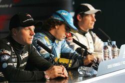 basın toplantısı: Pole: Kazanan Fernando Alonso ve Kimi Raikkonen ve Jenson Button