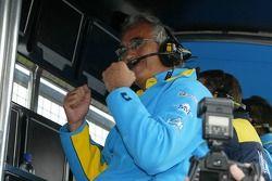 Flavio Briatore celebra la pole position