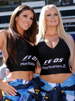 Chicas Playstation Lucy Pinder y Michelle Marsh