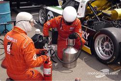 Filling fuel tank