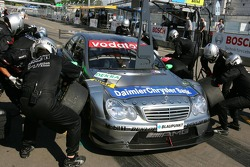 Pitstop practice for Gary Paffett