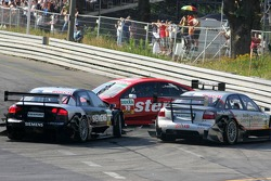 Accident in the first turn between Heinz-Harald Frentzen and Allan McNish