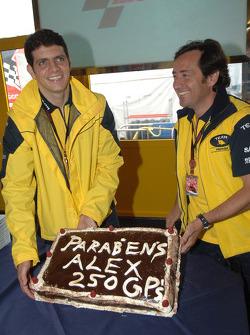 Alex Barros celebra con Sito Pons sus 250 GP