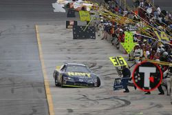 Another blown tire for David Stremme