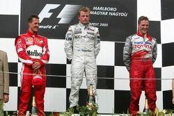 Podium: Sieger Kimi Räikkönen mit Michael Schumacher und Ralf Schumacher