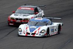 La CITGO - Howard - Boss Motorsports Pontiac Crawford N°2 (Andy Wallace, Milka Duno) et la BMW M3 N