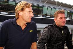 David Sears, Super Nova Team owner, with Jos Verstappen