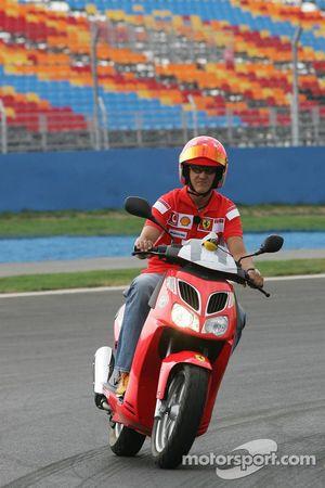 Michael Schumacher pisti geziyor