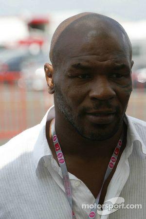 Ağırsıklet Boks Dünya Şampiyonu Mike Tyson