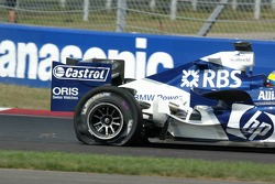 Tire failure for Nick Heidfeld