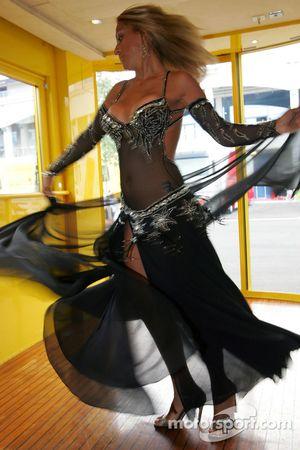 Jordan motorhome'da bir dansöz