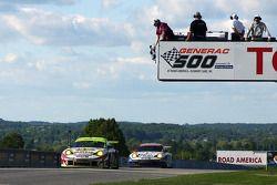 Petersen Motorsports/White Lightning Racing Porsche 911 GT3 RSR : Michael Petersen, Patrick Long et Jorg Bergmeister l'emportent