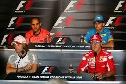 Ярно Трулли, Михаэль Шумахер, Хуан-Пабло Монтойя и Джанкарло Физикелла на пресс-конференции FIA