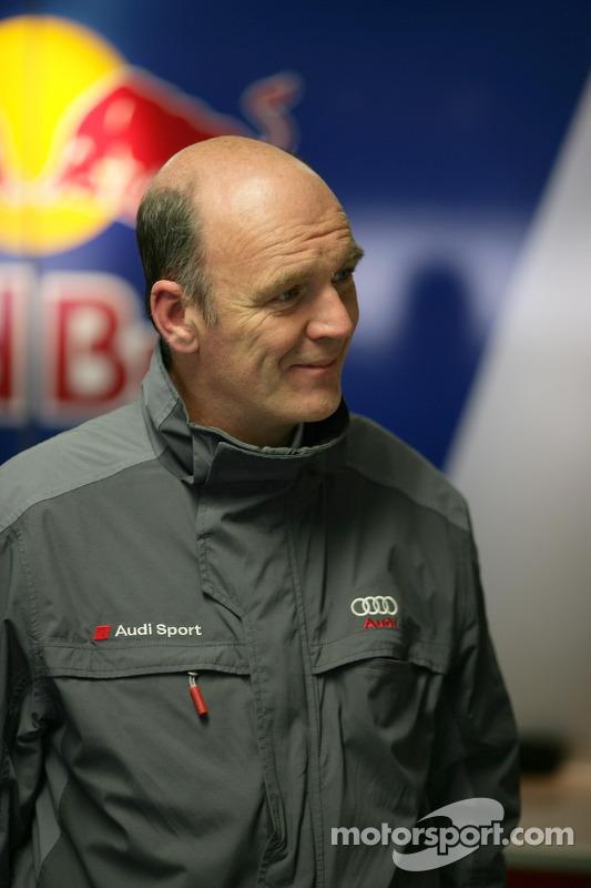 Dr Wolfgang Ullrich