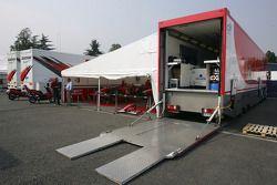 BCN Competicion paddock area