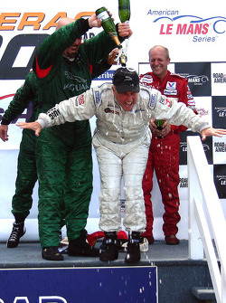Podium: champagne shower for Greg Pickett